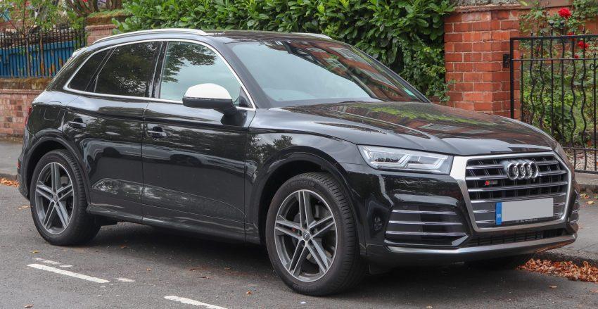 Audi SQ5 Quattro TFSI schwarz in der Seitenansicht