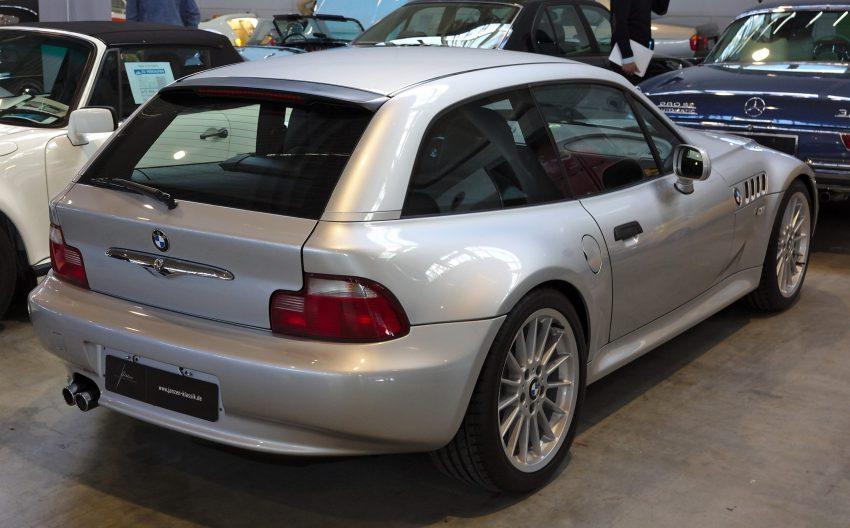 Heckansicht eines BMW Z3 Coupe Silber