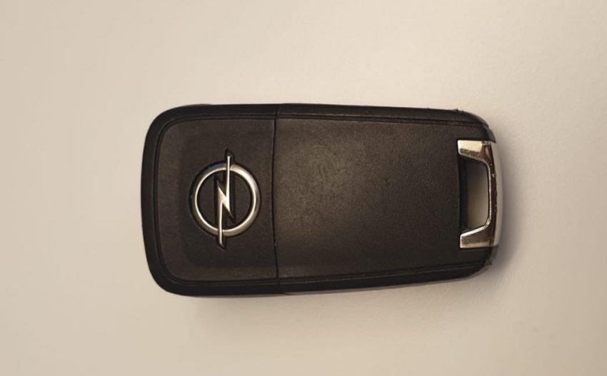 Opel Astra Funkschlüssel Vorderseite