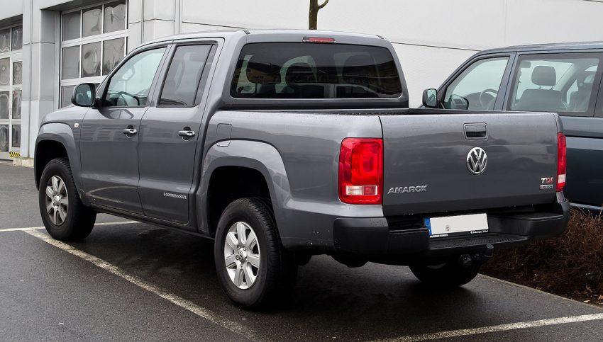 VW Amarok grau Heckansicht TDI