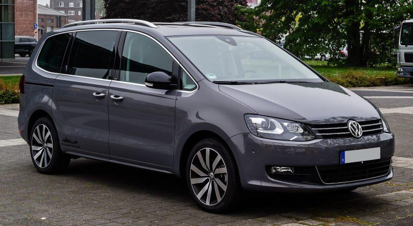 VW Sharan II Seitenansicht grau/blau