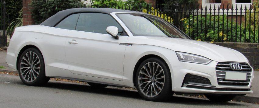 Weißer Audi A5 Cabrio Seitenansicht S Line