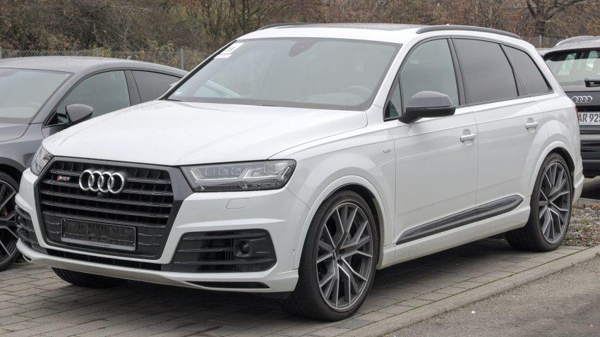 Weisser Audi SQ7 Fontansicht