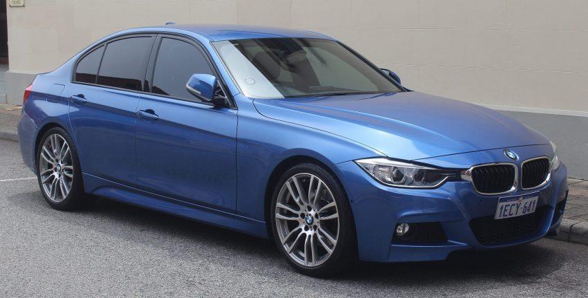 BMW 3er F30 blau Seitenansicht