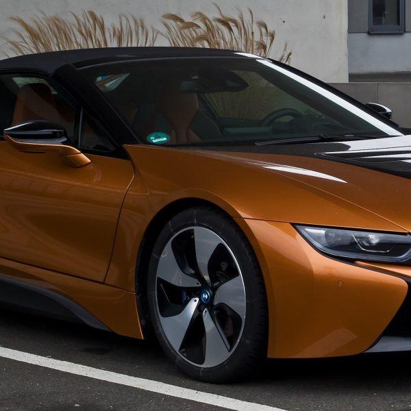 BMW i8 Roadster Seitenansicht