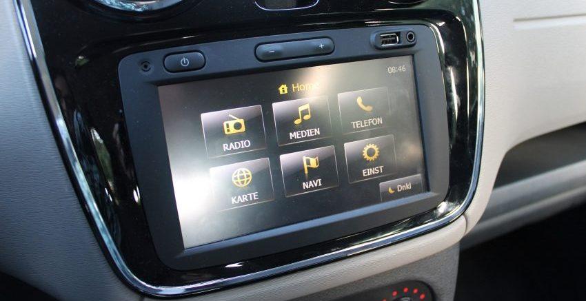 Bildschirm eines Navigationssystems im Dacia (Media Nav)