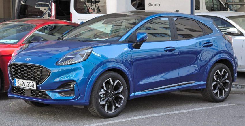 Blauer Ford Puma 20 Seitenansicht