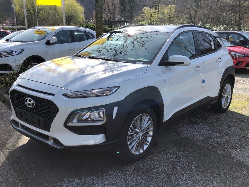 Weisser Hyundai Kona Frontansicht