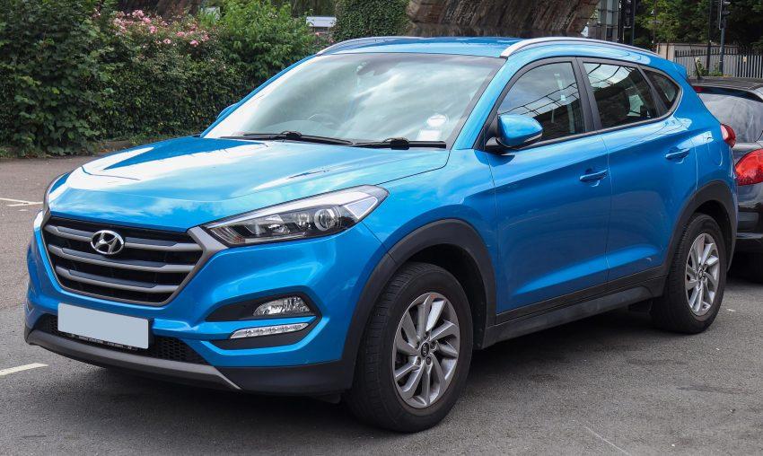 Blauer Hyundai Tucson CRDI Frontansicht