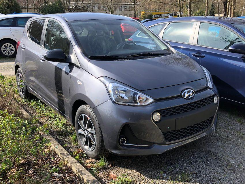 Grauer Hyundai i10 Frontansicht