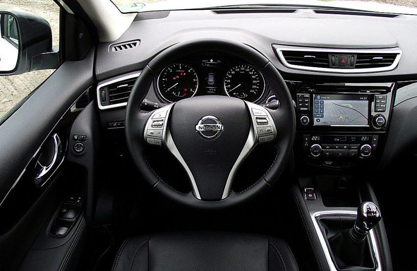 Nissan Innenraum mit Navi Display