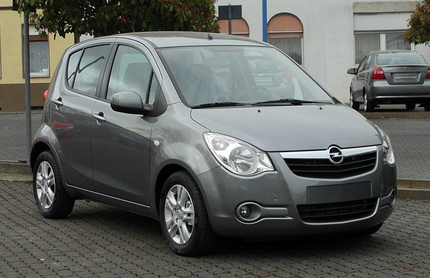 Grauer Opel Agila 2