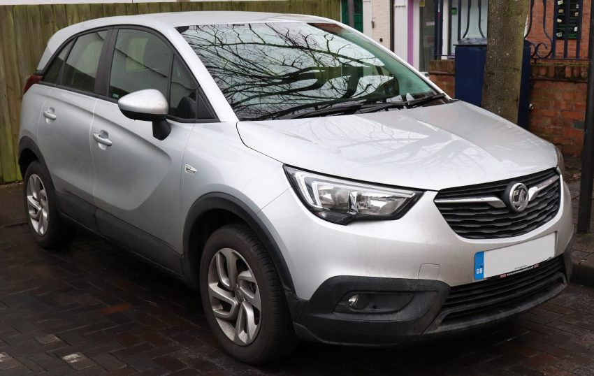 Opel Crossland X Grau in der Frontansicht