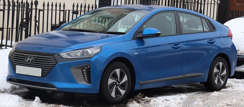 2018 Hyundai Ioniq SE HEV S-A 1.6 Front.jpg