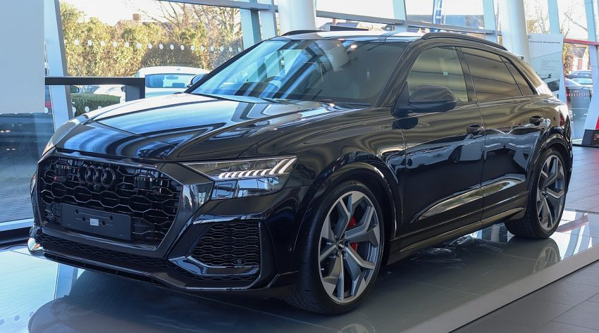 2020 Audi RS Q8 Front.jpg