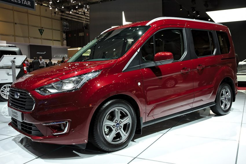 Ford Tourneo Connect Genf 2018.jpg