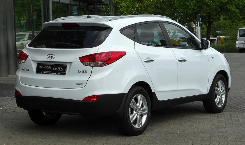 Hyundai ix35 2.0 4WD Premium – Heckansicht, 29. Mai 2011, Heiligenhaus.jpg