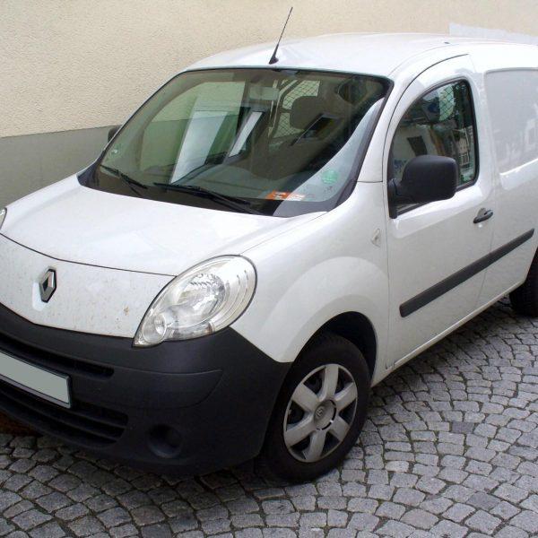 Frontansicht eines weißen Renault Kangoo LKW Langversion