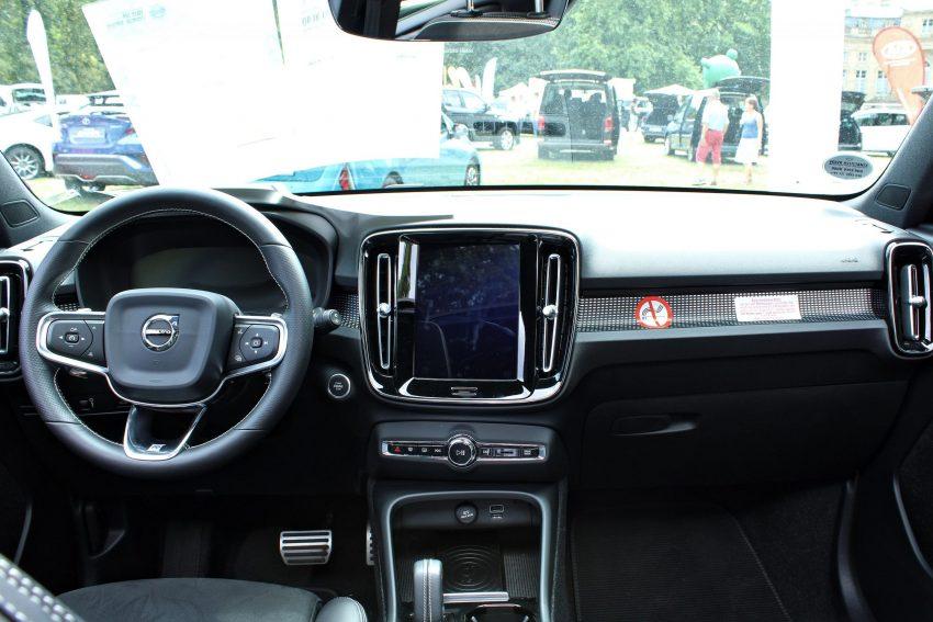 Innenraum des Volvo XC40 mit Sensus Navigationssystem