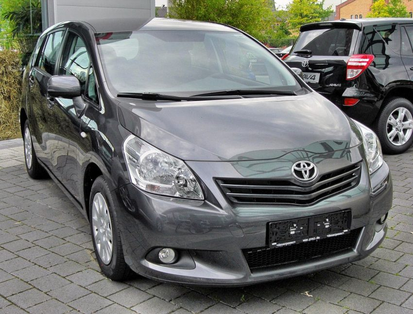 Toyota Verso (2009–2013)