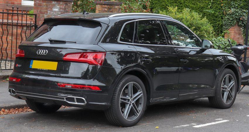 Schwarzer Audi SQ5 2018 Seitenansicht