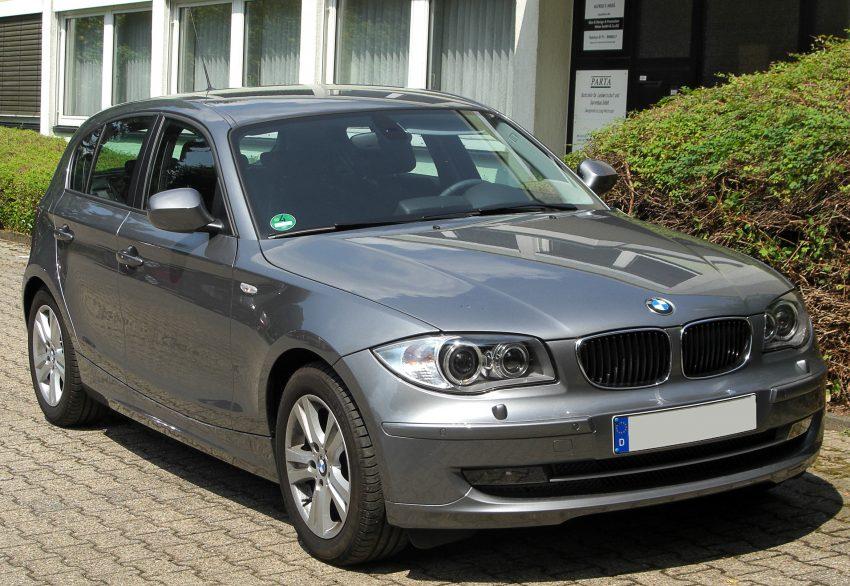 BMW E87 118d grau