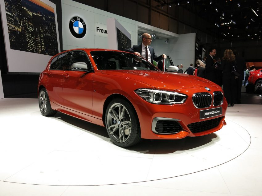 Roter BMW M135i