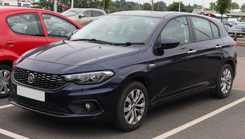 2016 Fiat Tipo Easy+ T-Jet 1.4 Front.jpg