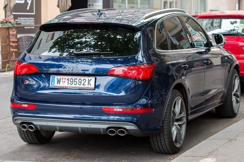 Audi SQ5 8R (2012–2017) Wien 26 July 2020 JM (1).jpg