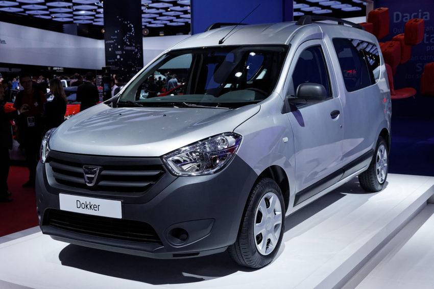 Frontansicht eines silbernen Dacia Dokker
