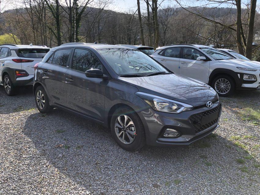 Hyundai i20 grau Seitenansicht