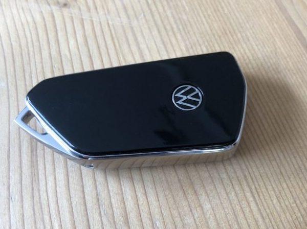 Funkschlüssel eines VW Golf 8