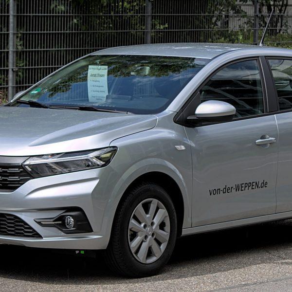 Dacia Sandero Generation 3 silber