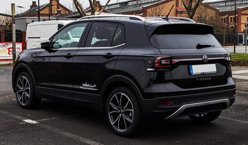 VW T-Cross schwarz Heckansicht