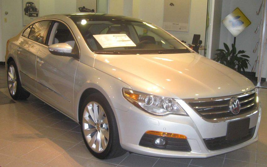2009 Volkswagen Passat CC.jpg
