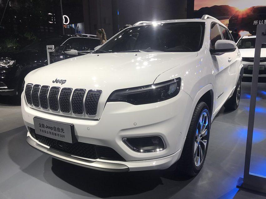 Jeep Cherokee (KL) facelift 001.jpg