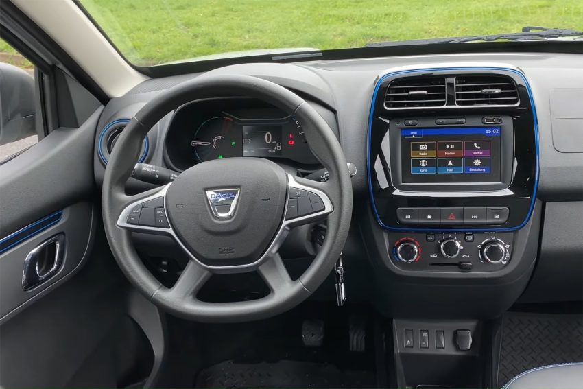 Dacia Cockpit Bildschirm