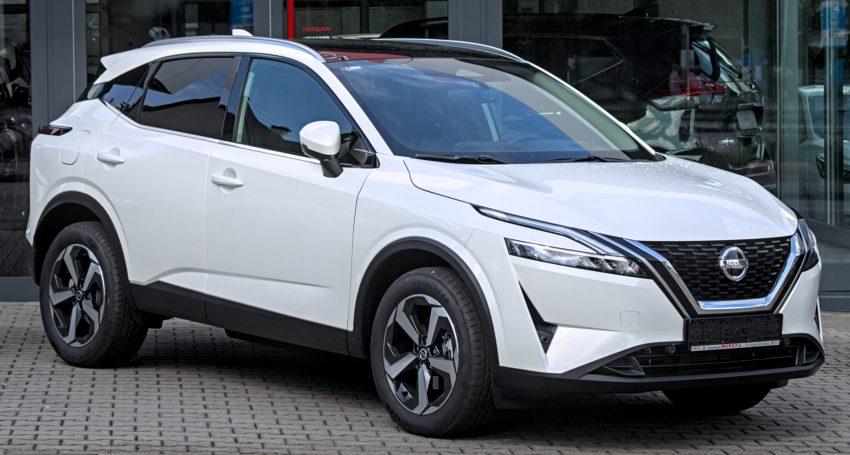 Frontansicht weißer Nissan Qashqai J12