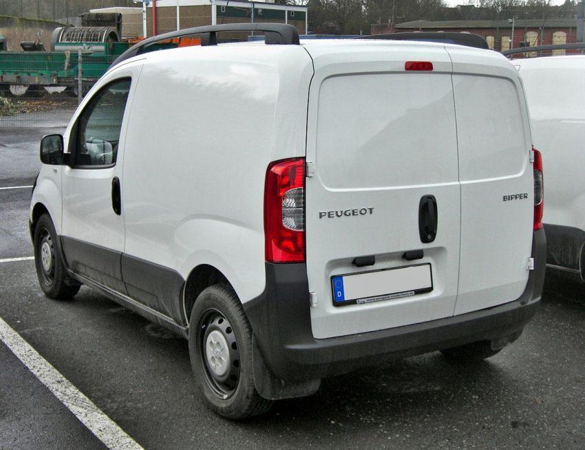 Peugeot Bipper rear.jpg