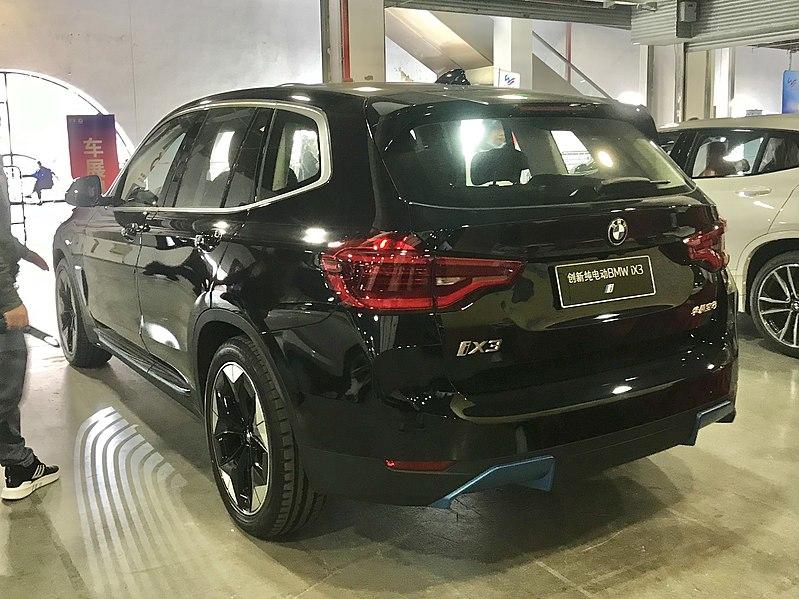 BMW iX3 002.jpg