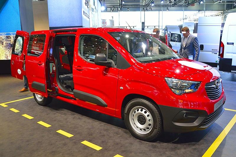 2018 Opel Combo Doppelkabine 4.40 m.jpg