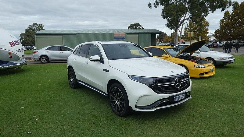 2020 Mercedes-Benz EQC (N293) 1HDU693 @ Trinity Playing Fields,Waterford.jpg