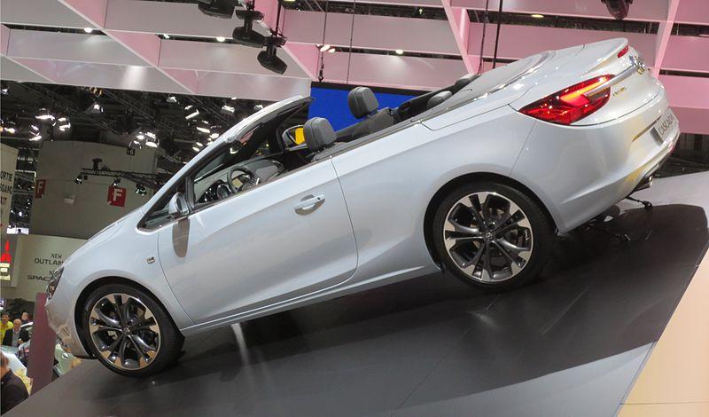Opel-Cascada Rear-Open.JPG