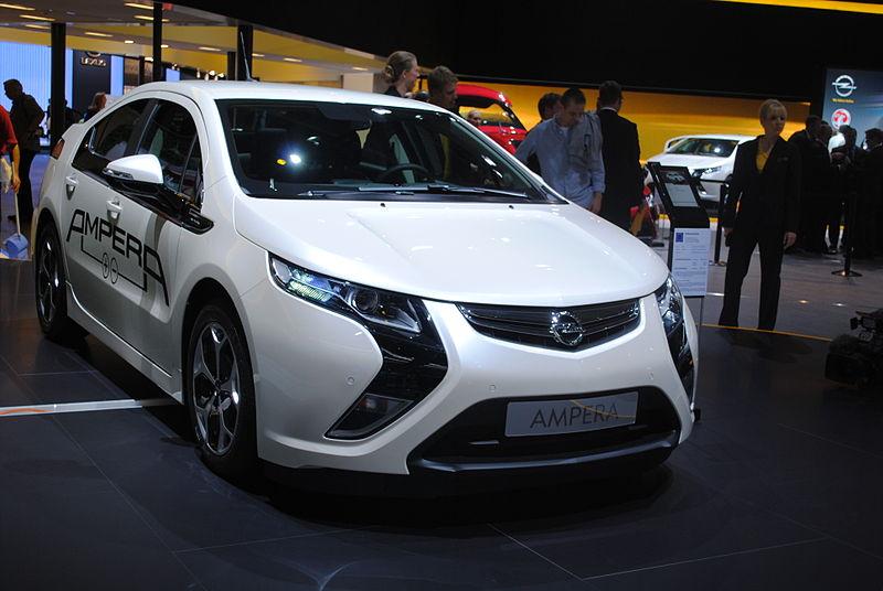 Opel Ampera (6146421051).jpg
