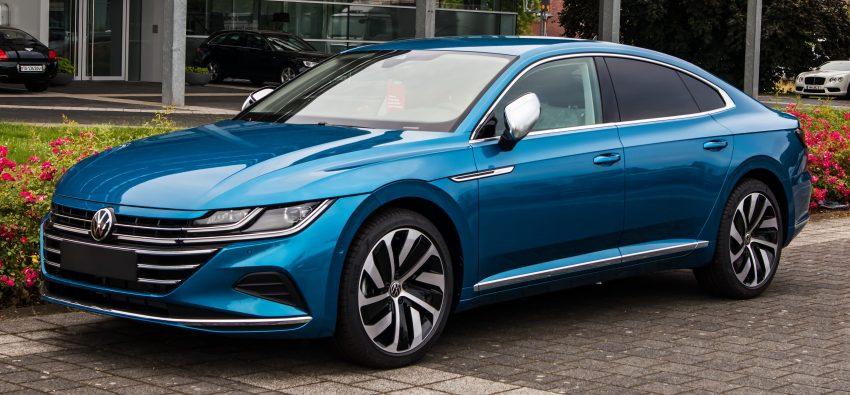 Frontansicht blauer VW Arteon